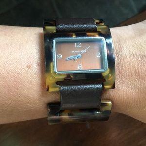 Michael Kors tort watch